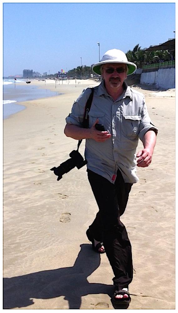 Rex unterwags am Strand von Da Nang